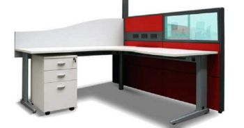 Ergo Desk with System 30 Screen